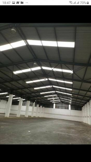 Location hangar de 7000m sur la route zone chetaybo