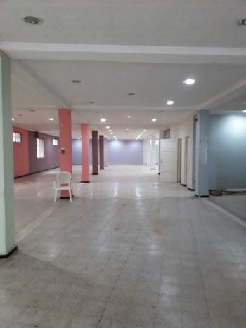 location dépôts de 500m, bd gambita
