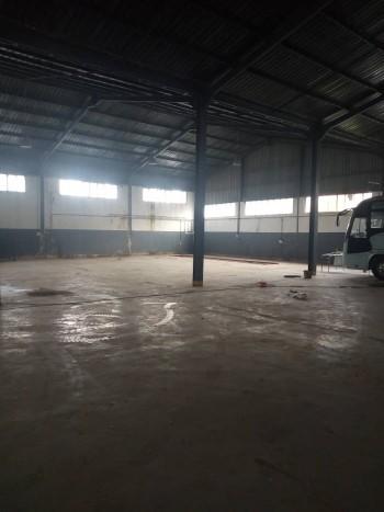 Location Hangar de 1700m sur boulevard senia