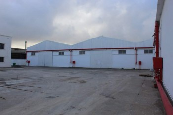 Vent usine de 10000m a la zone industrielle senia