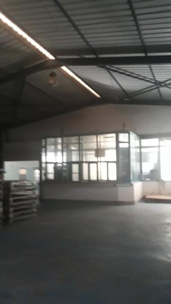 Location Hangar de 2000 m a la zone sid chahmi